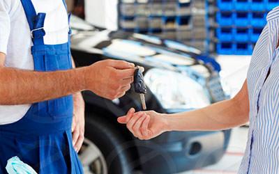 Предоставление клиенту полностью отремонтированного авто с полугодовой гарантией